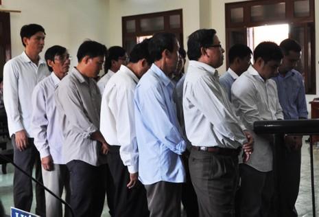 Nhiều cựu quan chức huyện đồng loạt kêu oan - ảnh 1