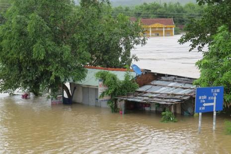 Thủy điện Sông Ba Hạ xả lũ lớn nhất trong 7 năm qua - ảnh 6