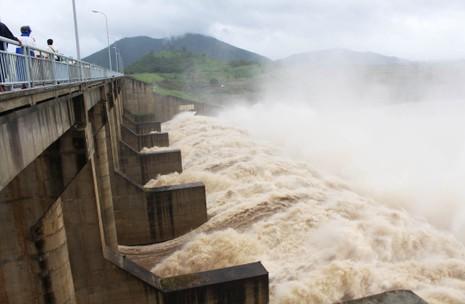 Thủy điện Sông Ba Hạ xả lũ lớn nhất trong 7 năm qua - ảnh 3