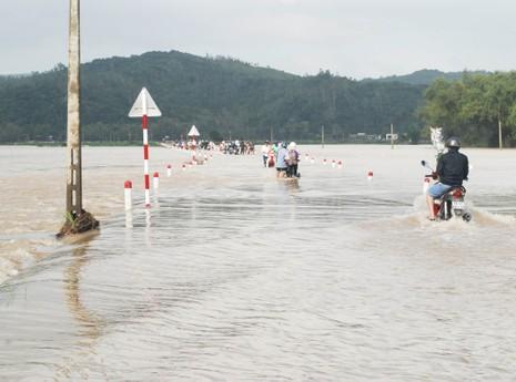 Lần đầu tiên, Phú Yên bị ngập lụt ngày giáp tết  - ảnh 1