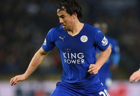 Cầu thủ Nhật thứ hai vô địch Anh - ảnh 1