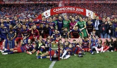 Barcelona lập cú đúp cúp Nhà vua trước Sevilla - ảnh 1