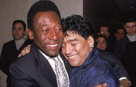 Pele và Maradona đã xóa hận thù - ảnh 1