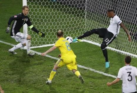 Lượt trận đầu Euro qua cách nhìn của Adrian Clarke - ảnh 4