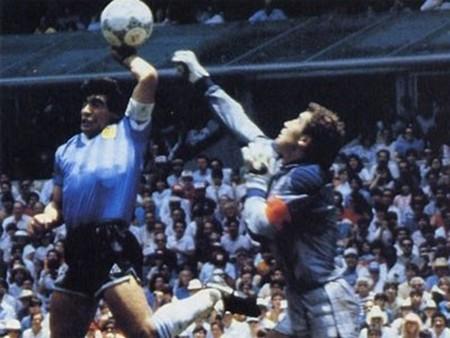 30 năm 'bàn tay của Chúa', Shilton vẫn chờ Maradona xin lỗi - ảnh 2