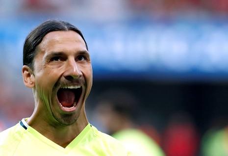 Kết cục nào cho Ibrahimovic khi đầu quân cho MU? - ảnh 1
