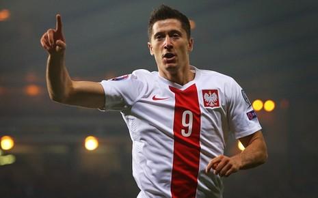 Lewandowski ghi bàn đầu tiên tại vòng chung kết Euro 2016 cũng là bàn cuối cùng tại giải này