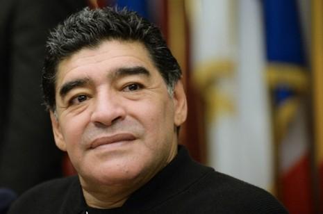 Bóng đá Argentina khủng hoảng, Maradona bỏ họp ra về - ảnh 1