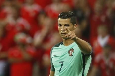 Ronaldo nói gì khi Bồ Đào Nha vào chung kết Euro 2016? - ảnh 1