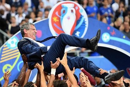Nghiệp cầu thủ của Santos cũng lận đận như Mourinho, Loew  - ảnh 2