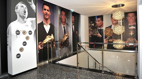 Ronaldo thành chủ khách sạn, có sân bay mang tên mình - ảnh 2