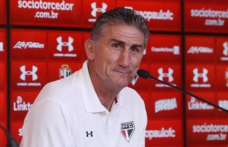 HLV  Edgardo Bauza từng hai lần lên ngôi Copa Libertadores