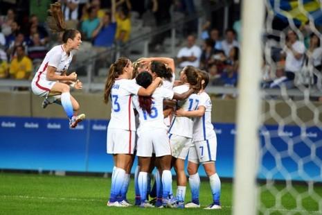 Bóng đá nữ Olympic: Mỹ, Brazil tiếp tục chói sáng - ảnh 2