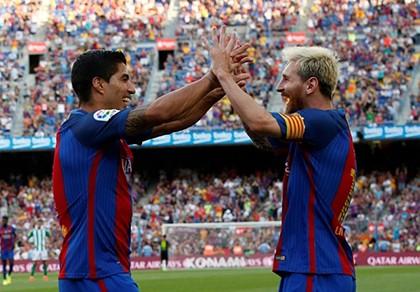Trong một ngày, bộ ba Neymar, Suarez và Messi ghi 6 bàn - ảnh 1