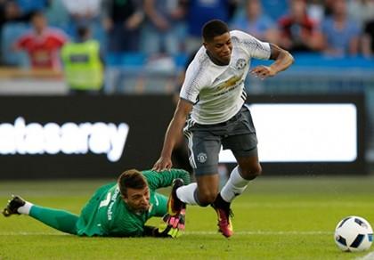 Mourinho khuyên Rashford nên đá cho U-21 Anh - ảnh 1