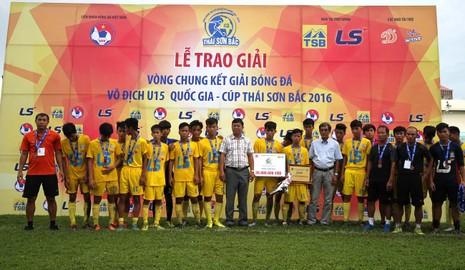 U-15- Khánh Hòa đạt hạng ba cùng An Giang