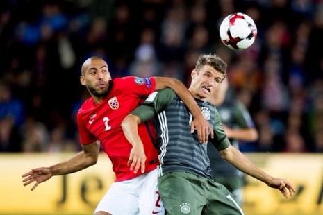 Muller ghi bàn
