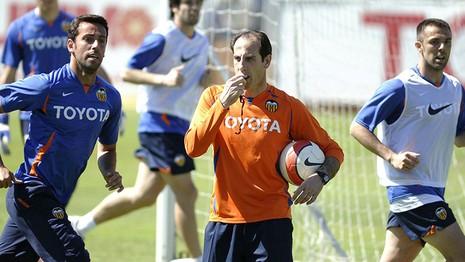 Valencia thay tướng đổi vận - ảnh 1