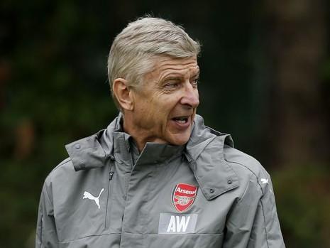Vụ LĐBĐ Anh mời Wenger: Có yêu thì nói rằng yêu - ảnh 1