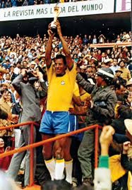 Thế giới tiếc thương huyền thoại bóng đá Brazil - ảnh 1