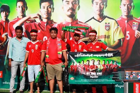 Nổ bom ở Yangon, AFF Cup rơi vào cảnh báo động - ảnh 2