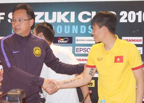 Câu chuyện thể thao: Công Vinh và HLV Ong Kim Swee - ảnh 1