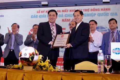 Giải hạng Nhất và Cúp Quốc gia mang tên Sứ Thiên Thanh - ảnh 1