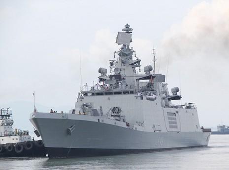 Chiến hạm hải quân Ấn Độ cập cảng Đà Nẵng - ảnh 1