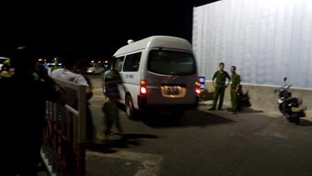 Tàu du lịch chìm trên sông Hàn: Sáng nay, ngư dân sẽ tìm 3 người mất tích - ảnh 24