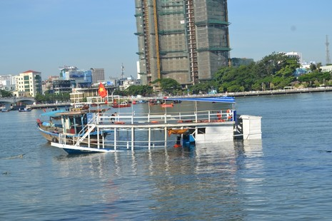 Đặc công nước lặn tìm các nạn nhân vụ chìm tàu trên sông Hàn - ảnh 7