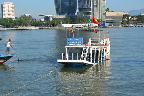 Đặc công nước lặn tìm các nạn nhân vụ chìm tàu trên sông Hàn - ảnh 8