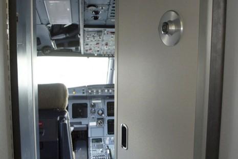 Khoảnh khắc cuối cùng trên chuyến bay tử thần Germanwings - ảnh 1