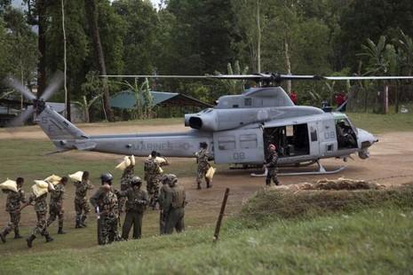 Trực thăng cứu hộ Mỹ mất tích trong động đất Nepal - ảnh 1