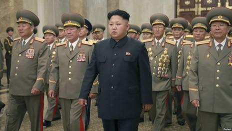Triều Tiên rầm rộ chuẩn bị diễu binh - ảnh 2