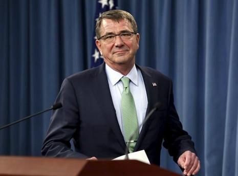 Bộ trưởng Quốc phòng Mỹ yêu cầu dừng xây đắp đảo trên Biển Đông - ảnh 1
