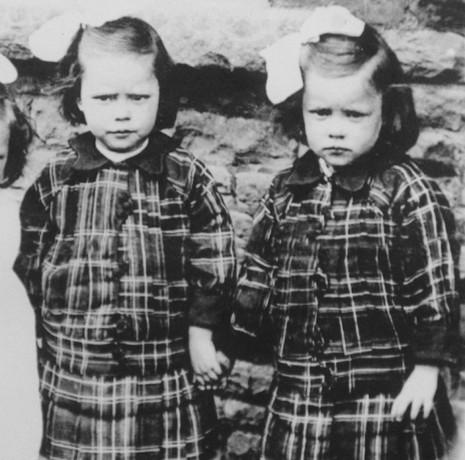 Cặp song sinh già nhất nước Anh cùng qua đời ở tuổi 103 - ảnh 2