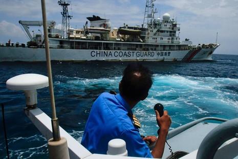 """Malaysia bất ngờ """"chơi rắn"""" với tàu Trung Quốc trên Biển Đông - ảnh 1"""