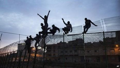 Sự hồi sinh của 'bức tường biên giới' ở Đông Âu - ảnh 2