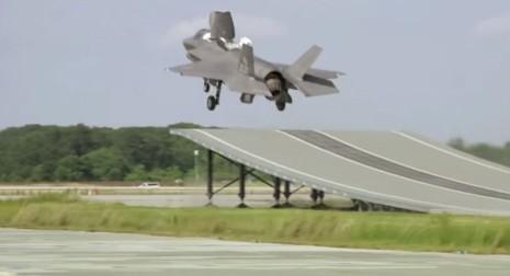 Thủy quân Mỹ bắt đầu thử nghiệm F-35 nhảy cóc - ảnh 1