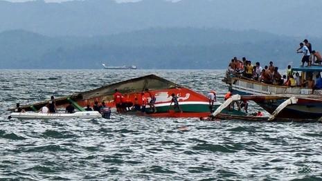 Lật phà ở Philippines: Số người chết lên đến 51 người - ảnh 1