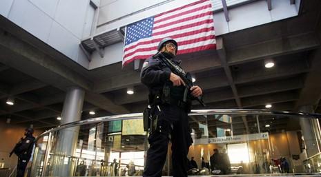 Mỹ phá vỡ nhiều âm mưu khủng bố trong ngày 4-7 - ảnh 1