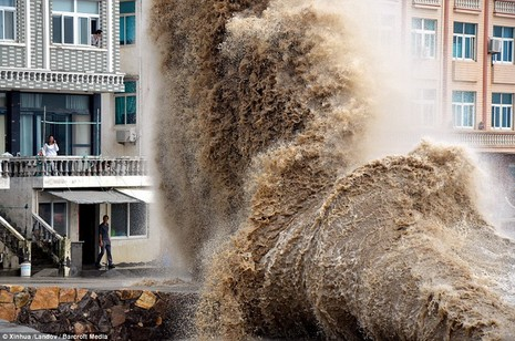Hình ảnh của 'bộ ba siêu bão' ập vào Trung Quốc - ảnh 10