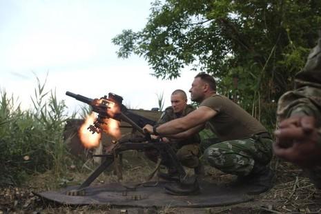 Tội phạm và bạo lực chính trị đe dọa Ukraine - ảnh 1