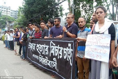 Bé trai Bangladesh bị đánh chết gây chấn động dư luận - ảnh 2