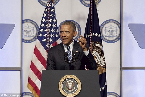 Tổng thống Obama sắp 'đối mặt' 5000 người khỏa thân? - ảnh 2
