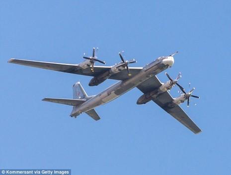 Máy bay ném bom Nga gặp nạn, 2 phi công thiệt mạng - ảnh 1