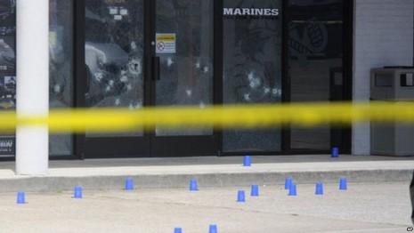 Xả súng tại doanh trại Mỹ, 4 lính thủy quân lục chiến bị giết - ảnh 4