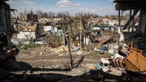 Tiếp tục đấu pháo ở Ukraine, đe dọa dân thường - ảnh 1