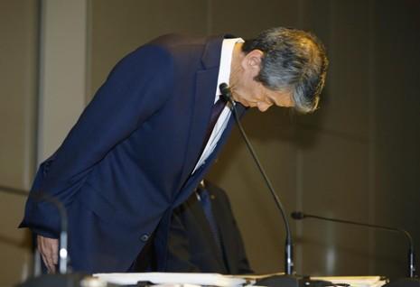 CEO Toshiba từ chức vì scandal thổi phồng lợi nhuận - ảnh 1