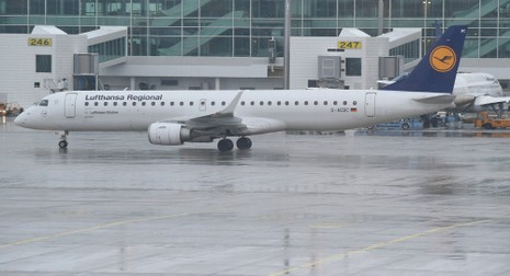 Máy bay Đức suýt đâm vào máy bay không người lái - ảnh 1